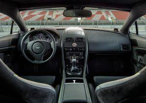 v8-vantage-n430_cockpit